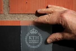 KTH-forskare har tagit fram transparent trä