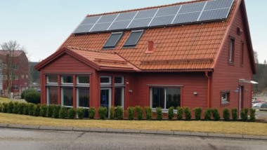 Här tas helhetsgrepp på  solceller, batterilager och intern likströmsförsörjning