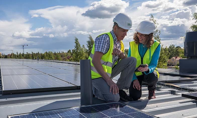 Umeå kommun installerar solceller på stadshusets tak