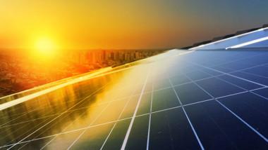 Takrenovering med samtidig solcellsinstallation